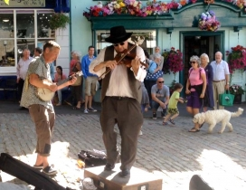STOMPIN DAVE'S MUSICAL HISTORY LESSON IN BRIDPORT
