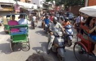 RIOT OF RICKSHAWS IN NEW DELHI